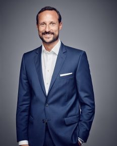 Prince Haakon to undergo another non-emergency surgery on his second ear canal for surfer's ear!