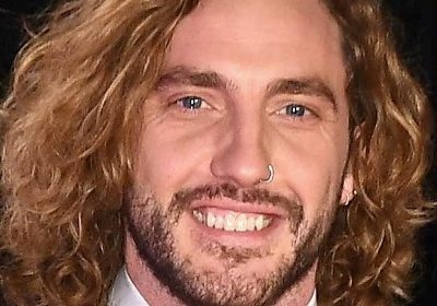 Seann Walsh spotted with a new Dame Grace Adderley taking a romantic stroll in London!