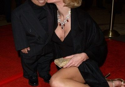 Former Playboy model,  Genevieve Gallen – her sex life and wedding with American actor Verne Troyer,  her career, age,  and childhood!