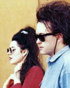 The relationship timeline of the wonderful couple of the UK-musician Robert Smith and wife Mary Poole!