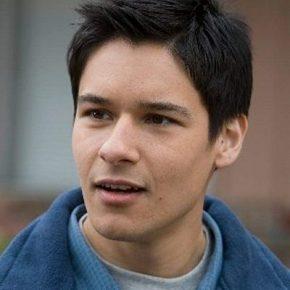 Oliver James(actor)