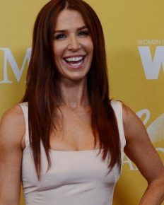 """Actress Poppy Montgomery plays Cat Chambers in """"Reef Break""""! Learn about her marital life and children"""