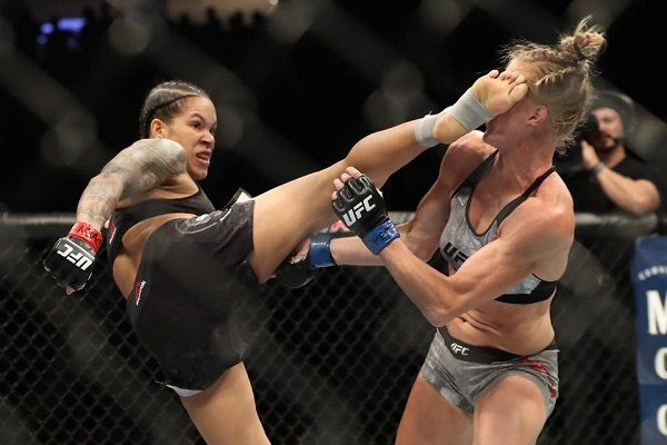 Amanda Nunes Proves I am Better Than All The Girls In My Divison At UFC 239