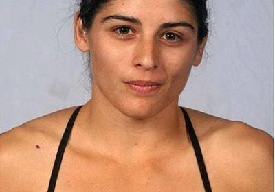Did American mixed martial artist Julia Avila signed UFC? Who is Julia Avila married to? What happened to her finger?