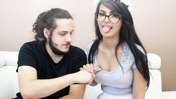 SSSniperWolf and her boyfriend Evan Sausage