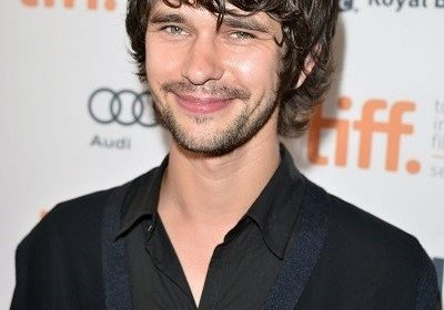 James Bond gay actor Ben Whishaw signs up for a celebrity dating app called Raya! Has he split from his partner Mark Bradshaw?