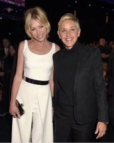 The lesbian power couple Ellen DeGeneres and Portia de Rossi are selling their beachfront house in California and the asking price is $24 million!