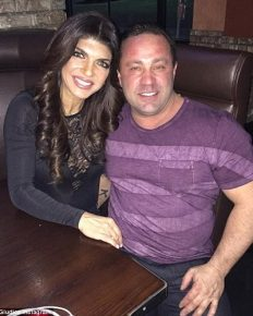 Joe Giudice making desperate legal moves to put his deportation to Italy on hold!