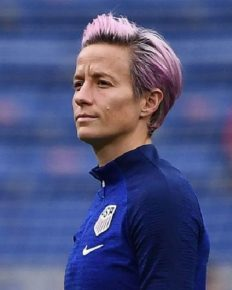 Megan Rapinoe replies to people those who call her unpatriotic! Know about her feud with Donald Trump!