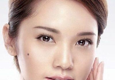 Taiwanese actress Rainie Yang is engaged to Mainland Chinese singer Li Ronghao!