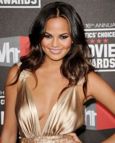 Chrissy Teigen has something to tell after suffering through Stomach Virus!