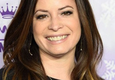 Actress Holly Marie Combs celebrated her bachelorette party! How many times was she previously married?