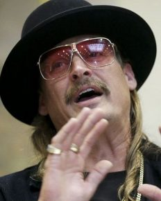 American singer-songwriter Kid Rock slams singer Taylor Swift! His friend Sheryl Crow against him?