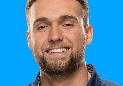 Big Brother 21 contestant Nick Maccarone inappropriate with other houseguests! Is he getting close with Analyse Talaver?
