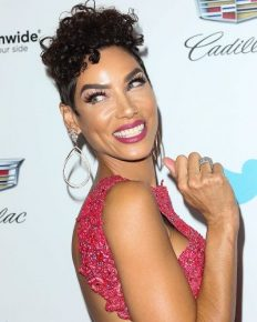 Nicole Murphy says sorry for kissing Antoine Fuqua, a father of two. Reveals that she was unaware that he was married!