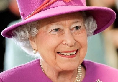 Queen Elizabeth II upset with Donald Trump for ruining her beautiful residential palace lawns!