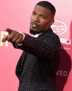 Actor Jamie Foxx splits from Katie Holmes and has found a new girlfriend in actress-model Sela Vave!