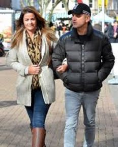 After a tough year,  TV host Jeremy Kyle has some good news! His fiancee Vicky Burton is pregnant with their first child!