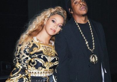 Beyonce in awe as husband Jay Z surprises her with (early) birthday cake backstage at Made in America Festival