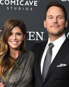 "Chris Pratt says ""If Only We Could Love Life The Way This Pig Loves Apples"" to his newly married wife Katherine Schwarzenegger!"