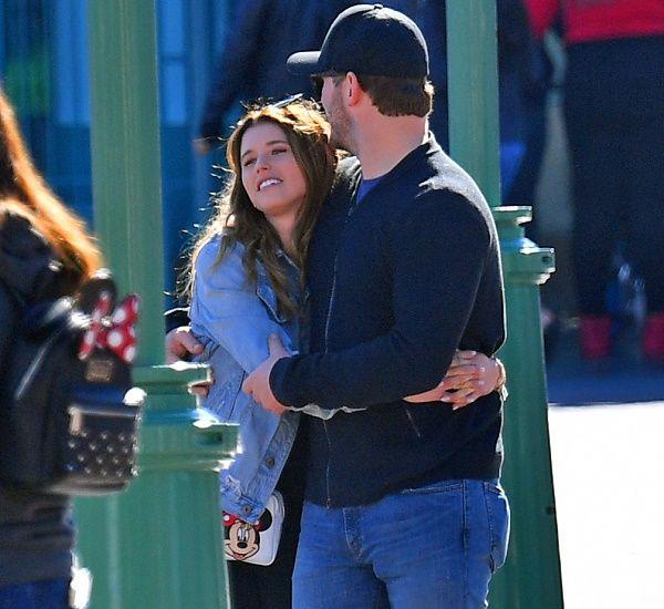 Chris Pratt and Katherine Schwarzenegger PDA