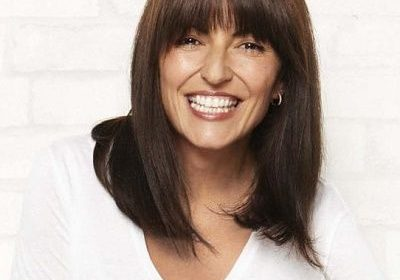 Davina McCall videos herself as she finds herself in a VERY embarrassing wardrobe malfunction! Davina 51 and still looking sharp! Know about her upcoming project!