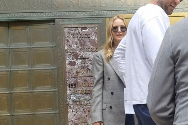 Jennifer Lwrence spotted at New York City's marriage bureau with fiancee Cooke Maroney