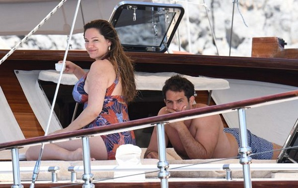 Kelly Brook and her boyfriend Jeremy Parisi enjoying their vacation