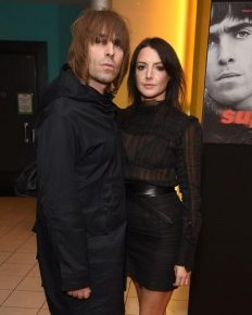 Liam Gallagher to finally wed his long time girlfriend Debbie Gwyther! Find out about the past scandalous relationships of the singer and his relation with brother Noel!
