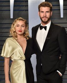 Update on Liam Hemsworth's life after the divorce! Liam spotted ringless with friends and family while Miley openly shows PDA with Kaitlynn Carter!
