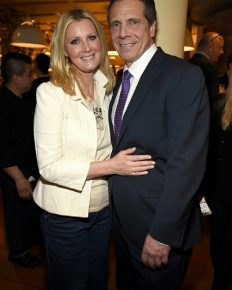 Celebrity chef Sandra Lee and the Governor of New York, Andrew Cuomo have made public their split!