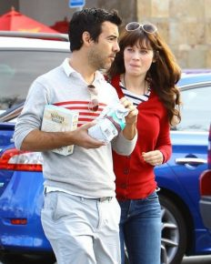 "Splitsville! Zooey Deschanel and Jacob Pechenik separate. Says, ""We're better off as friends."""