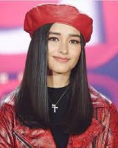 Liza Soberano criticized for blackening her face for a commercial! Did she tweet an apology?