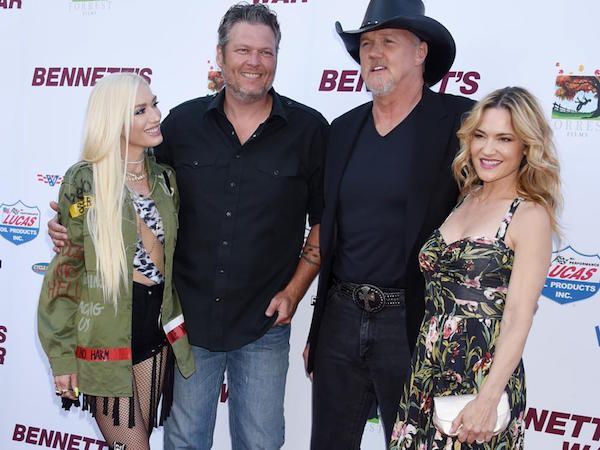 Adkins and Pratt on red carpet with Shelton and Stefani