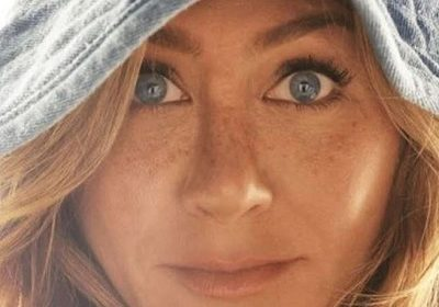 Record-setting Instagram account – Jennifer Aniston enters into Instagram world, But this is not her first time on Instagram!
