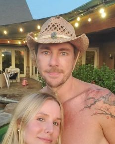Never remembered the date of the anniversary- Kristen Bell and Dax Shepard Celebrate their five-year wedding Anniversary!