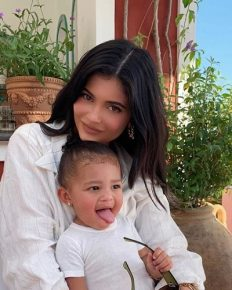 Kylie Jenner Recalls Pregnancy days that made her Stronger and more independent!