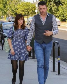 Zooey Deschanel and Jonathan Scott dating! Zooey spotted with Scott only after a week of divorce!Ex-husband Jacob's reaction to it?