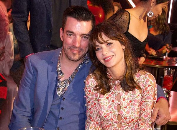 Zooey Deschanel and Jonathan Scott currently dating eachother