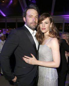 Ben Affleck and Jennifer Garner still good friends after their divorce! Ben opens up about co-parenting with Garner! Ben currently dating?