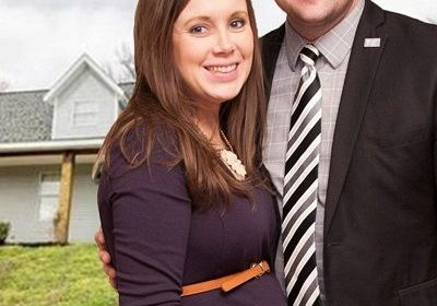 Was '19 Kids and Counting' Duggar Family Raided By Homeland Security Agent? Also, Jill Duggar Posts About The News!
