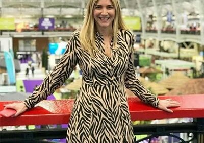 Lisa Faulkner shares pictures of her wedding, stunning wedding ring, and her and her husband John Torode's show  'John and Lisa's Weekend Kitchen'