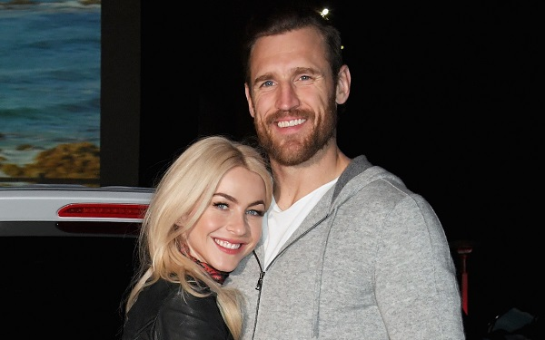 Brooks Laich Husband Of Julianne Hough Has A New Year 2020
