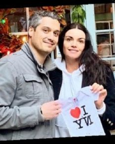 Bachelor's Courtney Robertson Is Engaged To Her Boyfriend Humberto Preciado; Also, The Couple Is Expecting Their First Baby!