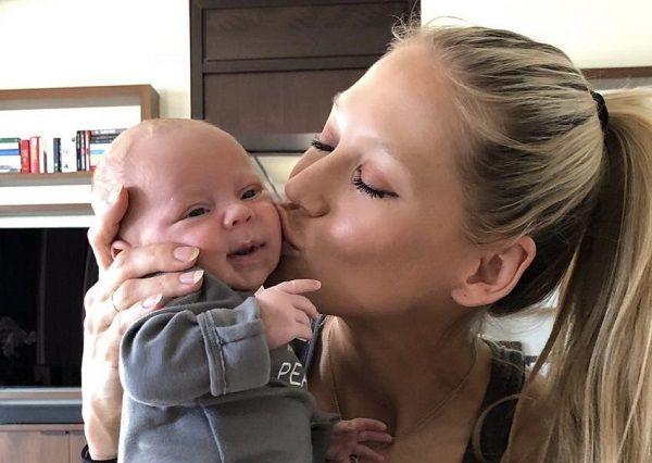 Anna Kournikova welcomed daughter