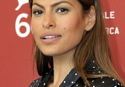 The apt reply of Eva Mendes to trolls regarding her age!