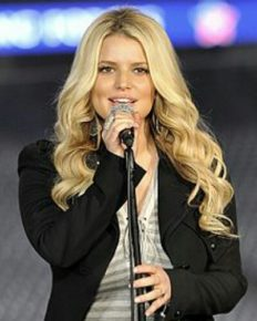 Jessica Simpson talks of her frightening post-pregnancy tuck infection in 'Open Book'!