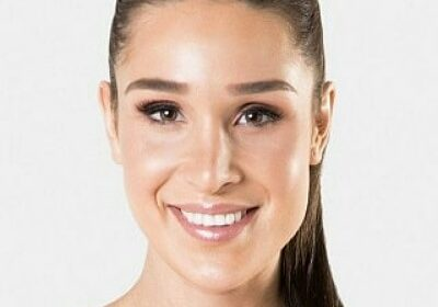 Australian fitness trainer Kayla Itsines and her no-equipment workout!
