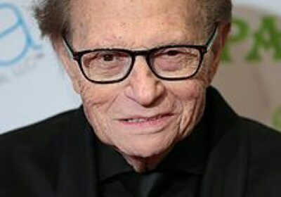 Larry King, 86 attributes the wide age gap as reason for divorce from his seventh wife, Shawn King!