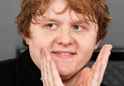 Lewis Capaldi, Scottish Singer-songwriter is dating a student, Catherine Halliday!